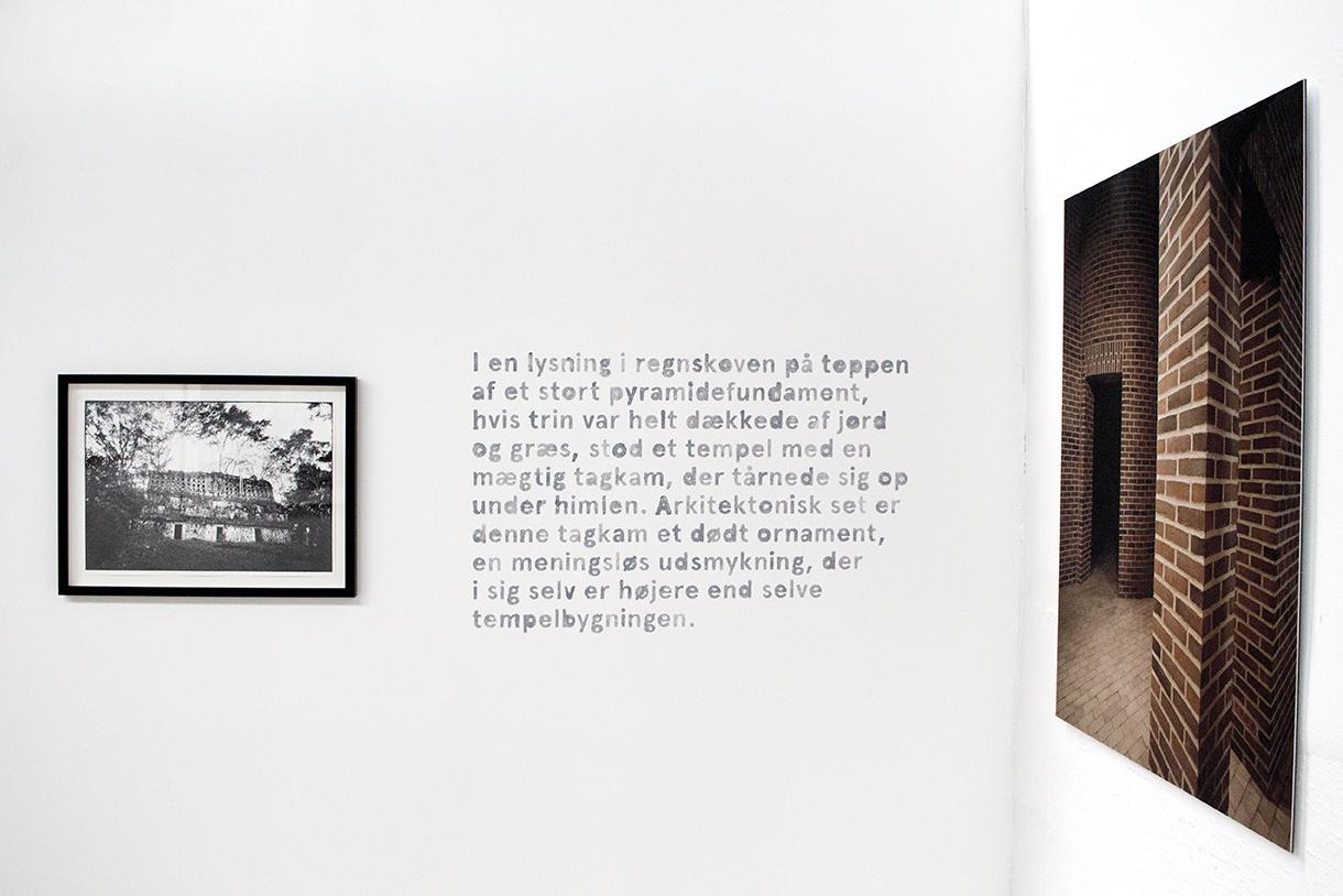 Ib Michael, Mayalandet. Teit Jørgensen, foto. Jens Lindhe, værkfoto. Foto: Jon Eitik Lundberg. Læsø Kunsthal 2018.